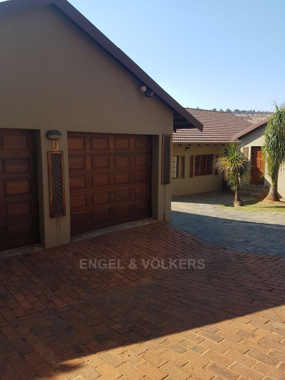 Roodepoort, Wilro Park Property  | Houses For Sale Wilro Park, WILRO PARK, House 3 bedrooms property for sale Price:1,750,000