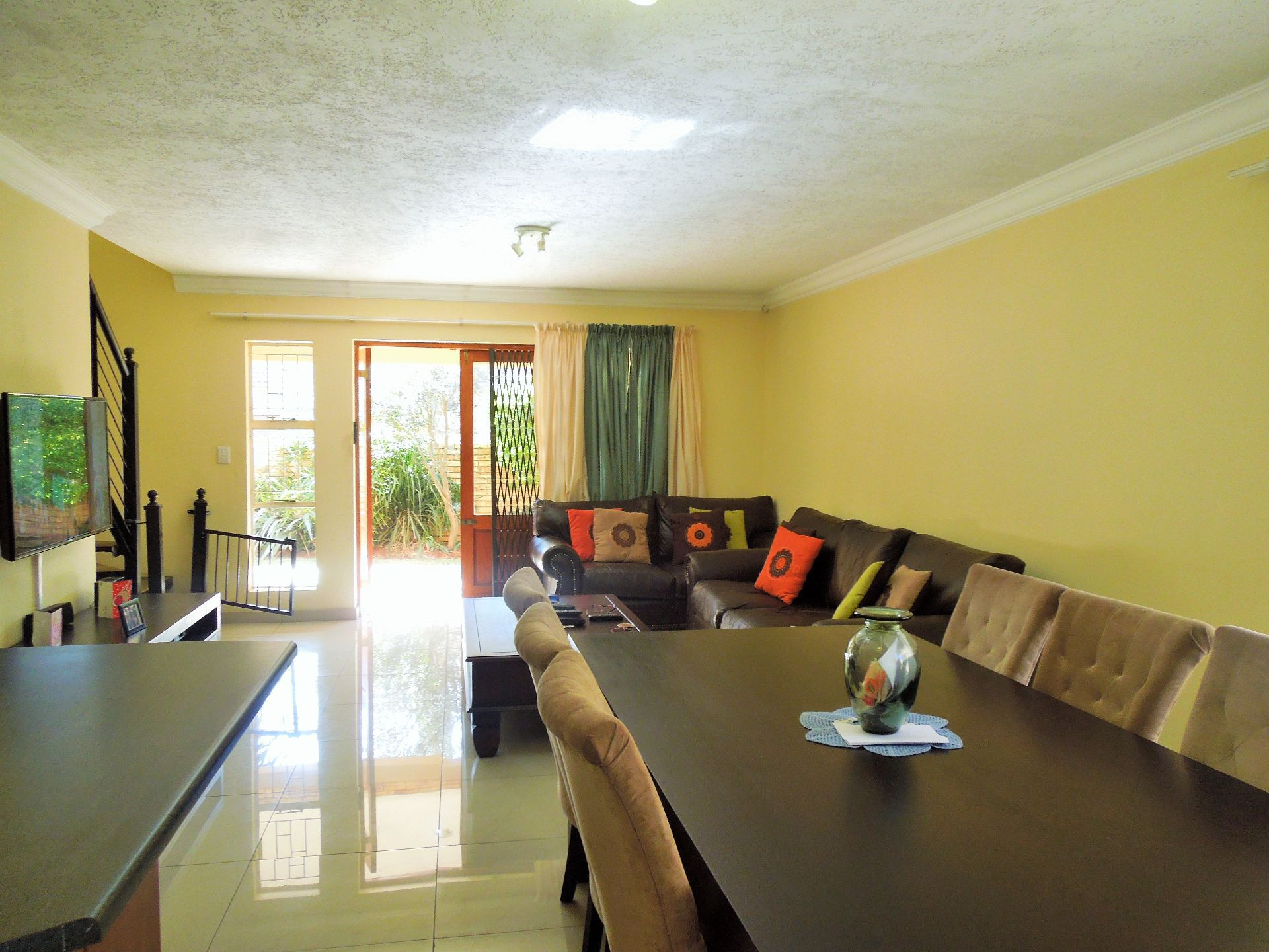 Willowbrook property for sale. Ref No: 13523453. Picture no 9
