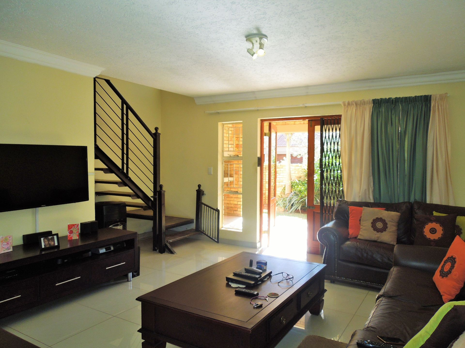 Willowbrook property for sale. Ref No: 13523453. Picture no 11