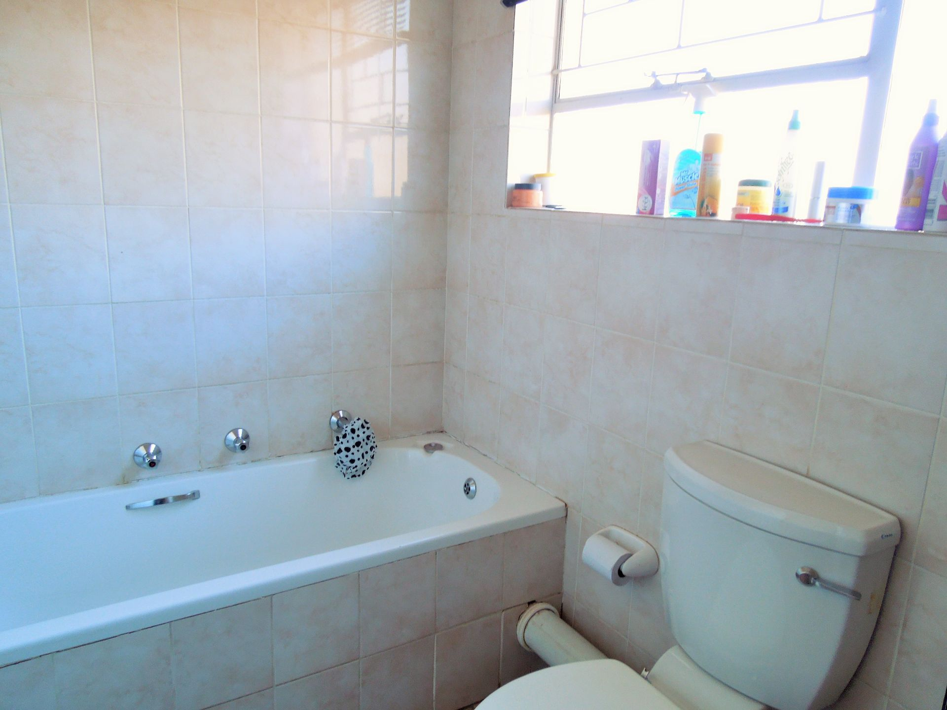 Willowbrook property for sale. Ref No: 13523453. Picture no 18