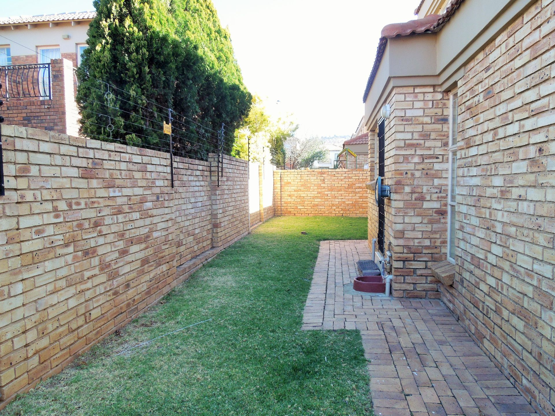 Willowbrook property for sale. Ref No: 13523453. Picture no 20