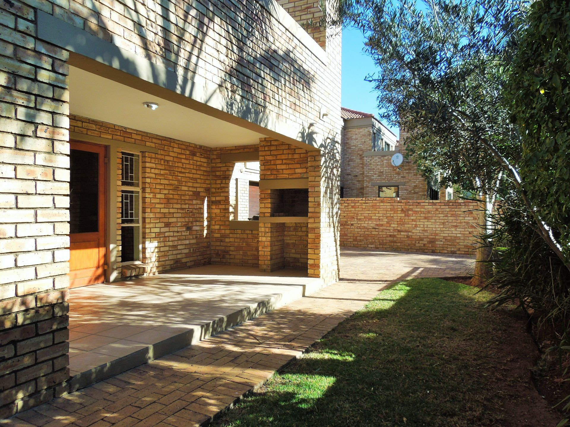 Willowbrook property for sale. Ref No: 13523453. Picture no 22