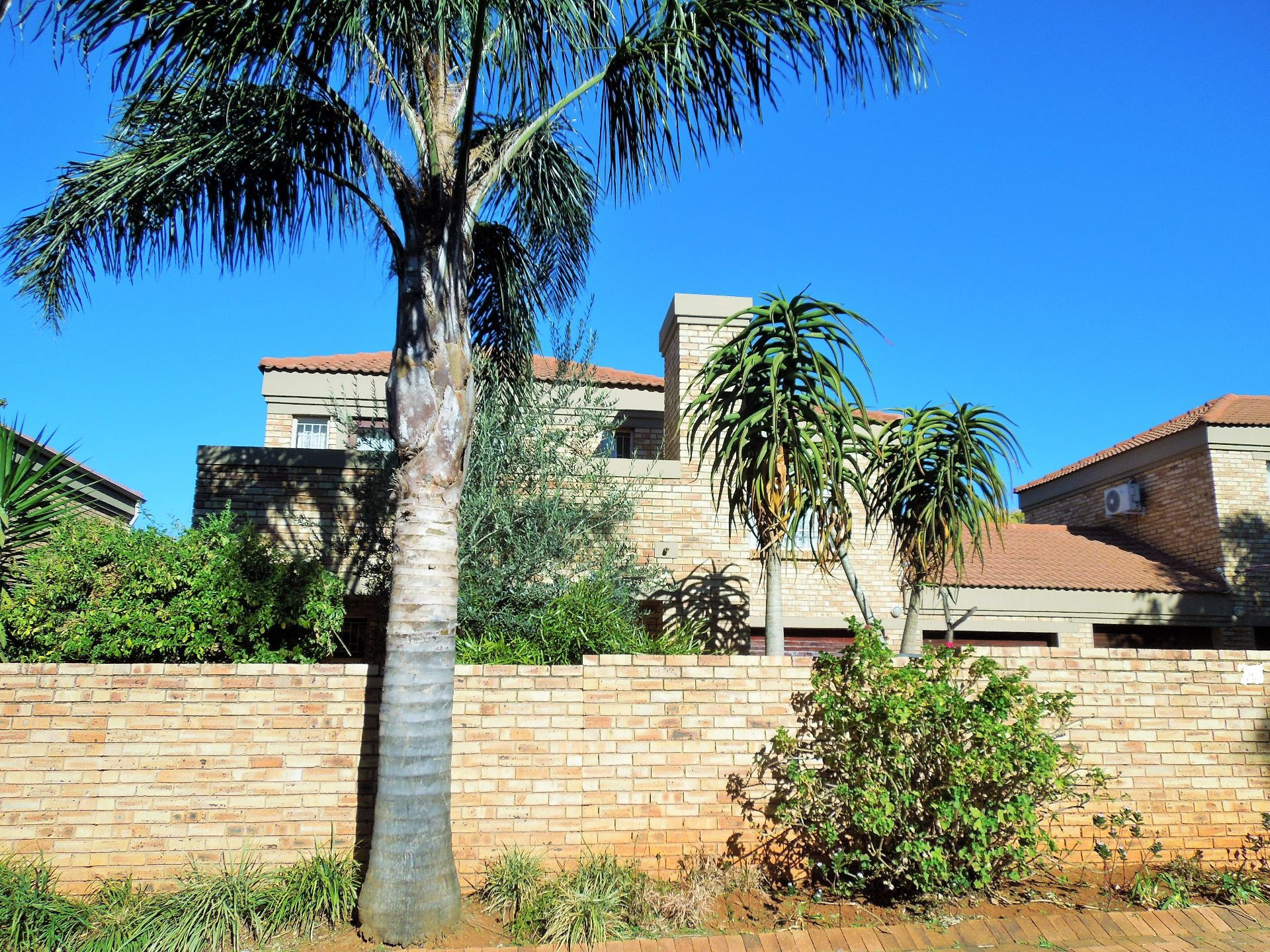 Willowbrook property for sale. Ref No: 13523453. Picture no 23