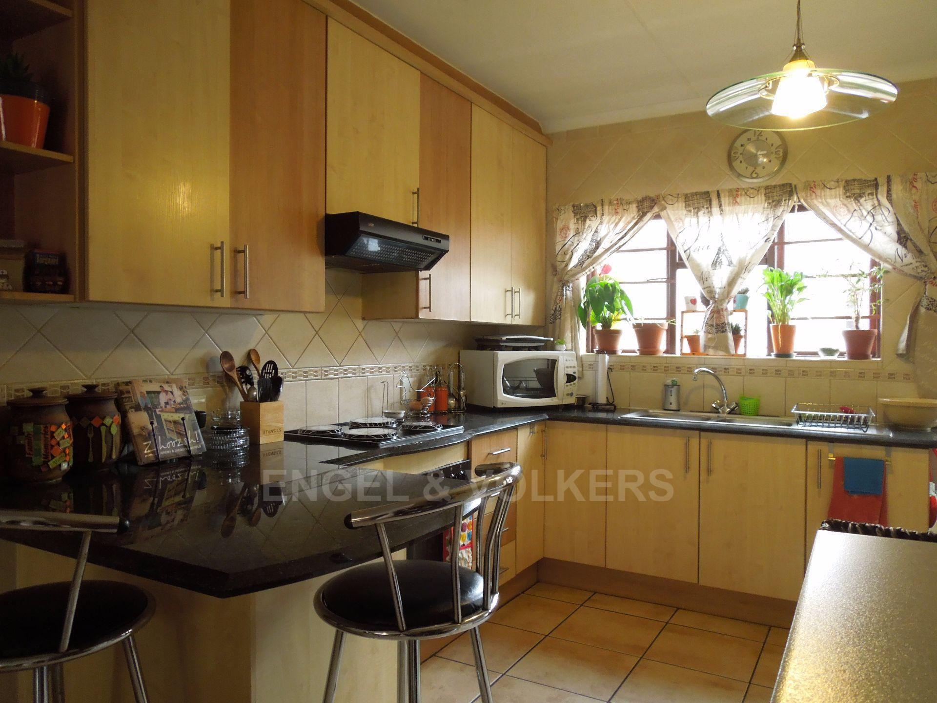 Chancliff A H property for sale. Ref No: 13536551. Picture no 4