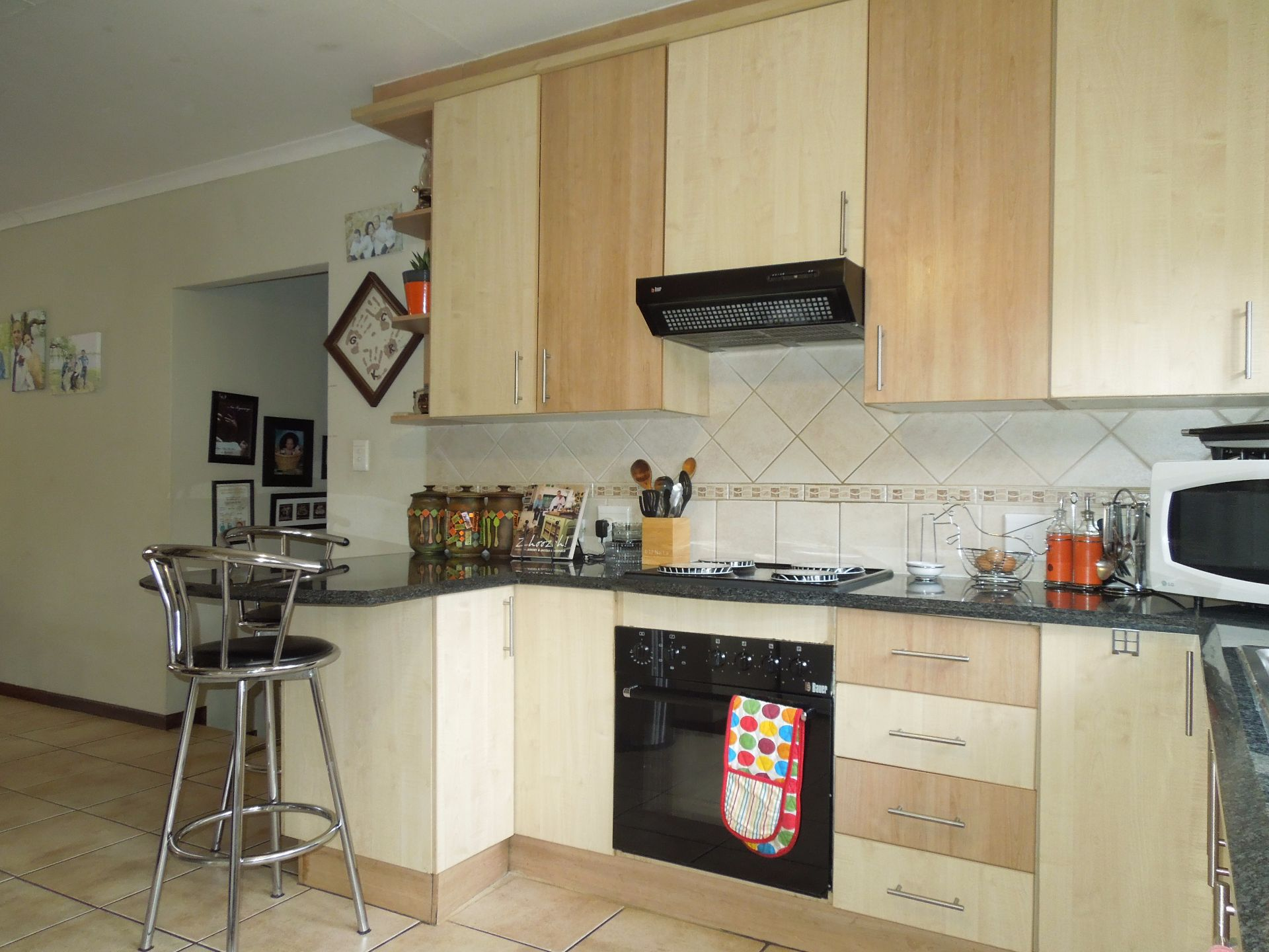Chancliff A H property for sale. Ref No: 13536551. Picture no 5