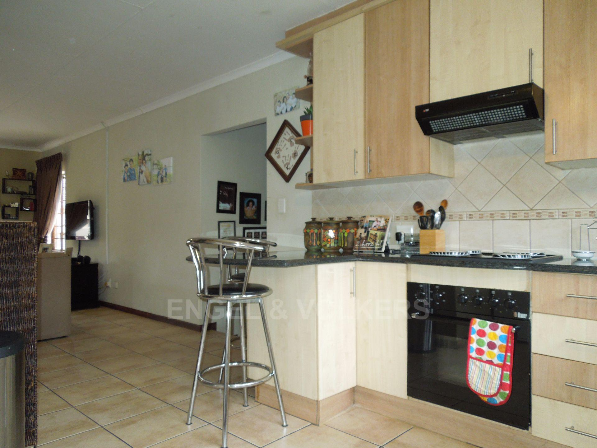 Chancliff A H property for sale. Ref No: 13536551. Picture no 7