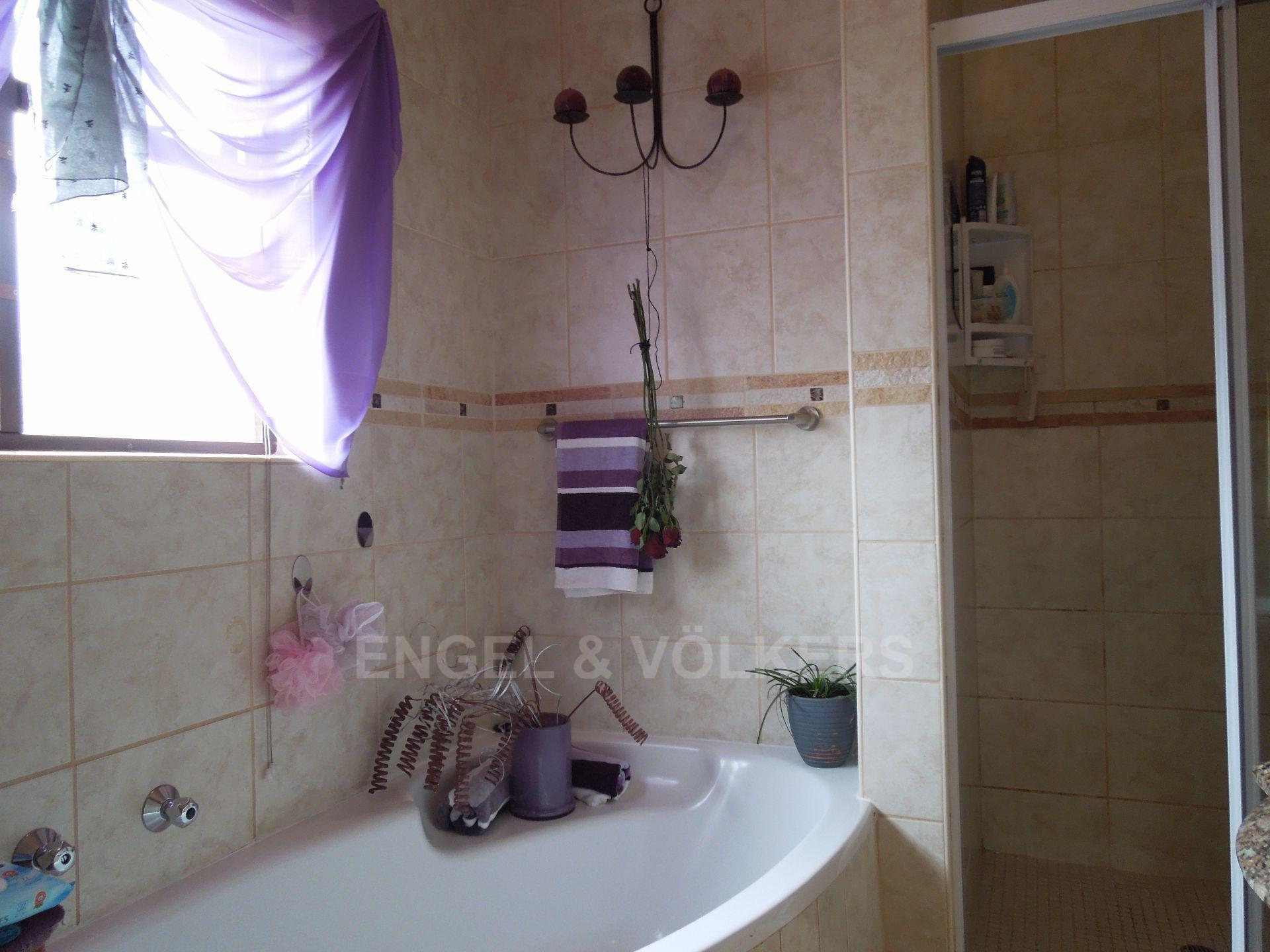 Chancliff A H property for sale. Ref No: 13536551. Picture no 10