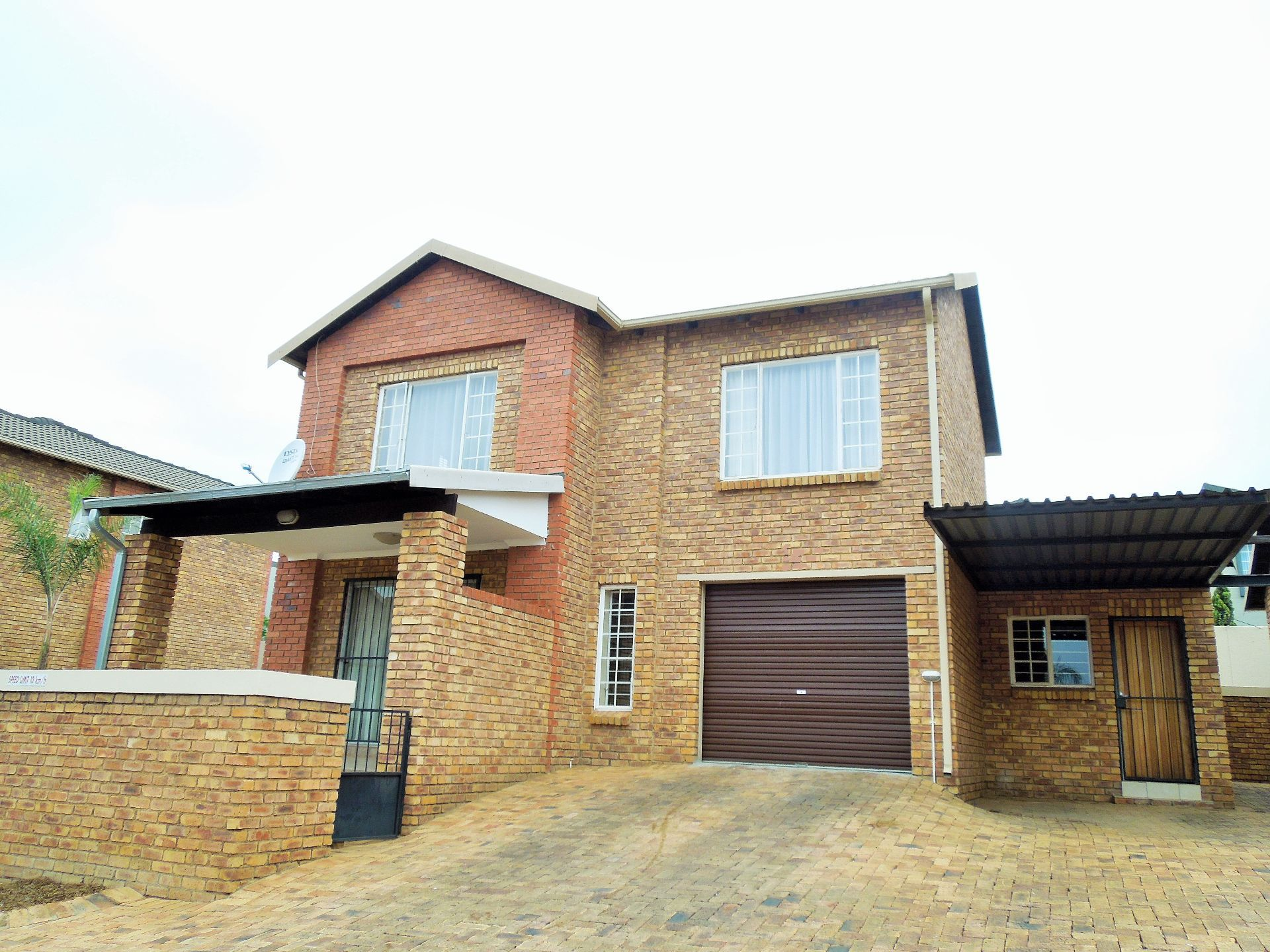 Roodepoort, Willowbrook Property  | Houses For Sale Willowbrook, WILLOWBROOK, Duplex 3 bedrooms property for sale Price:1,200,000