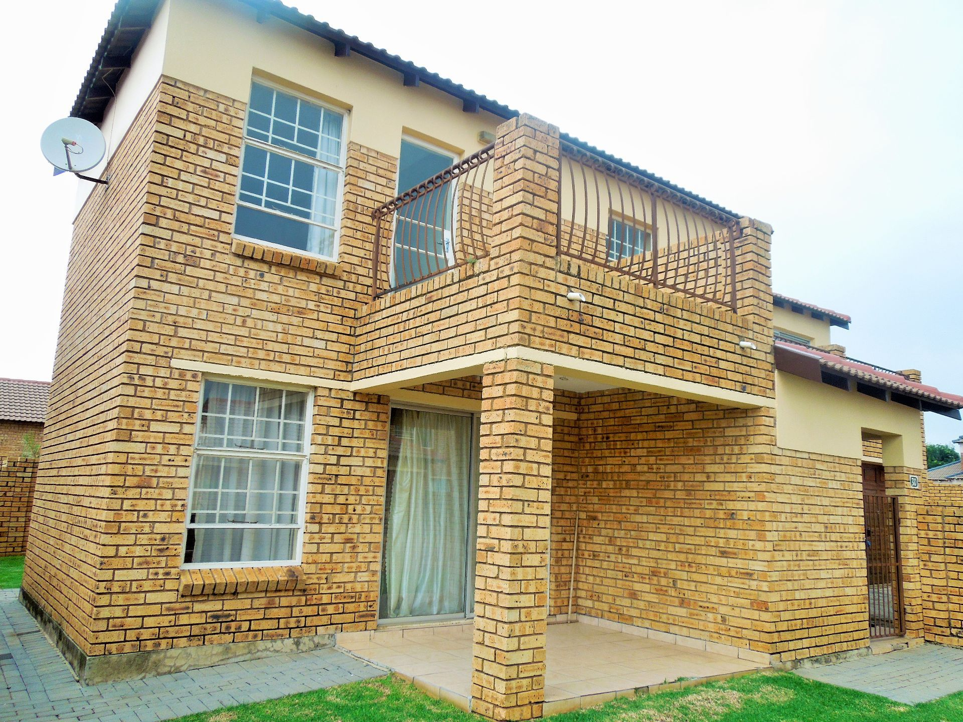 Roodepoort, Willowbrook Property  | Houses For Sale Willowbrook, WILLOWBROOK, Duplex 3 bedrooms property for sale Price:1,295,000