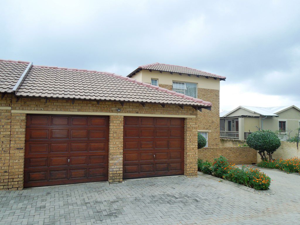 Roodepoort, Willowbrook Property  | Houses For Sale Willowbrook, WILLOWBROOK, Duplex 3 bedrooms property for sale Price:955,000