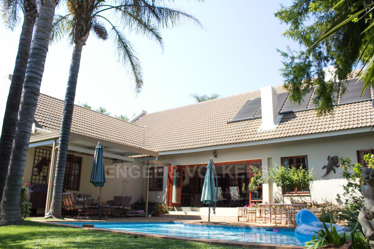 Property and Houses for sale in Randpark Ridge, House, 3 Bedrooms - ZAR 2,895,000