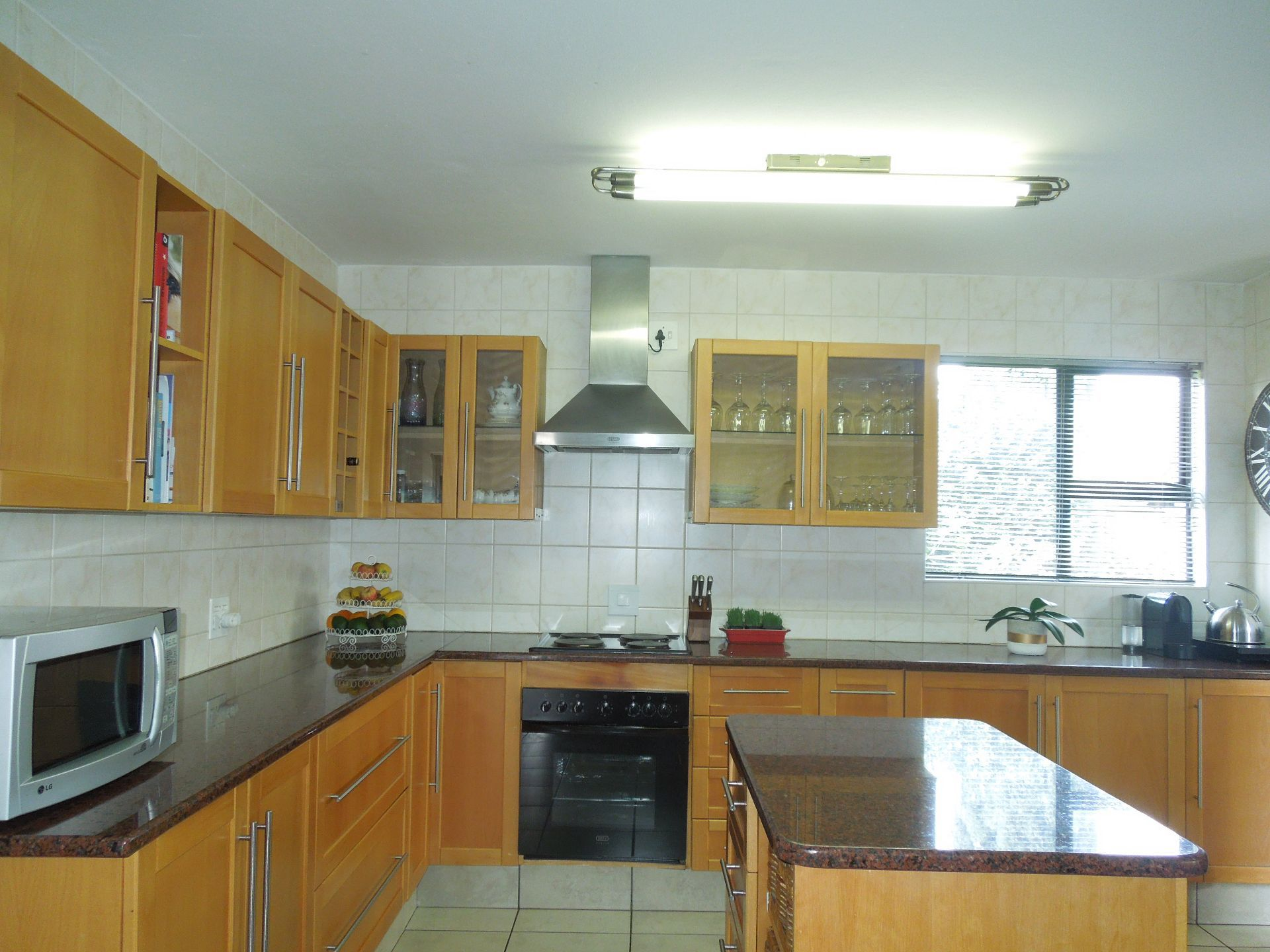 Ruimsig property to rent. Ref No: 13624038. Picture no 4