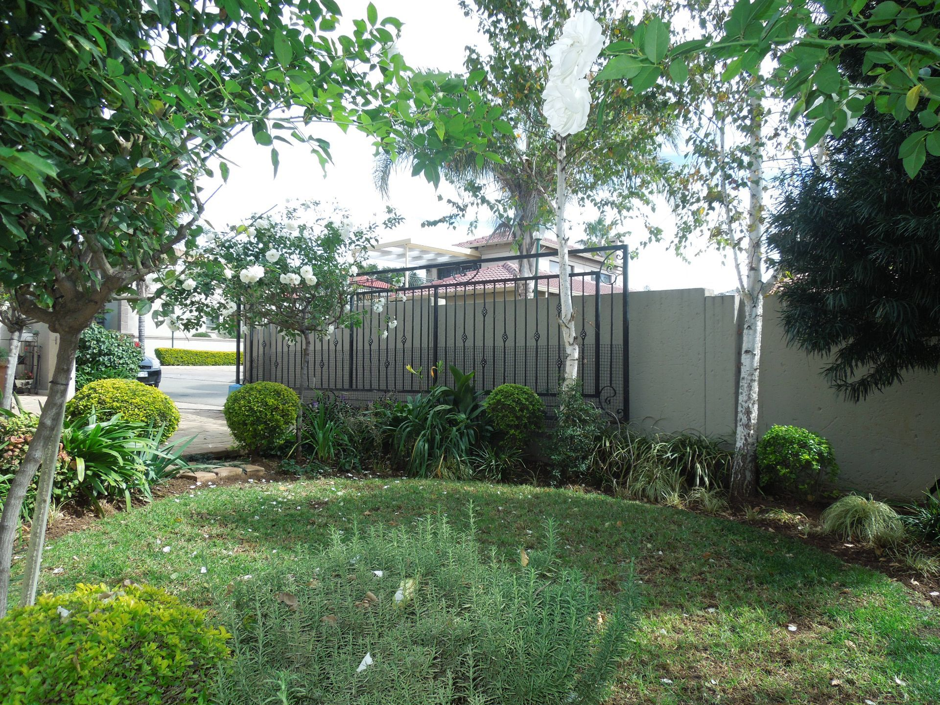 Ruimsig property to rent. Ref No: 13624038. Picture no 16
