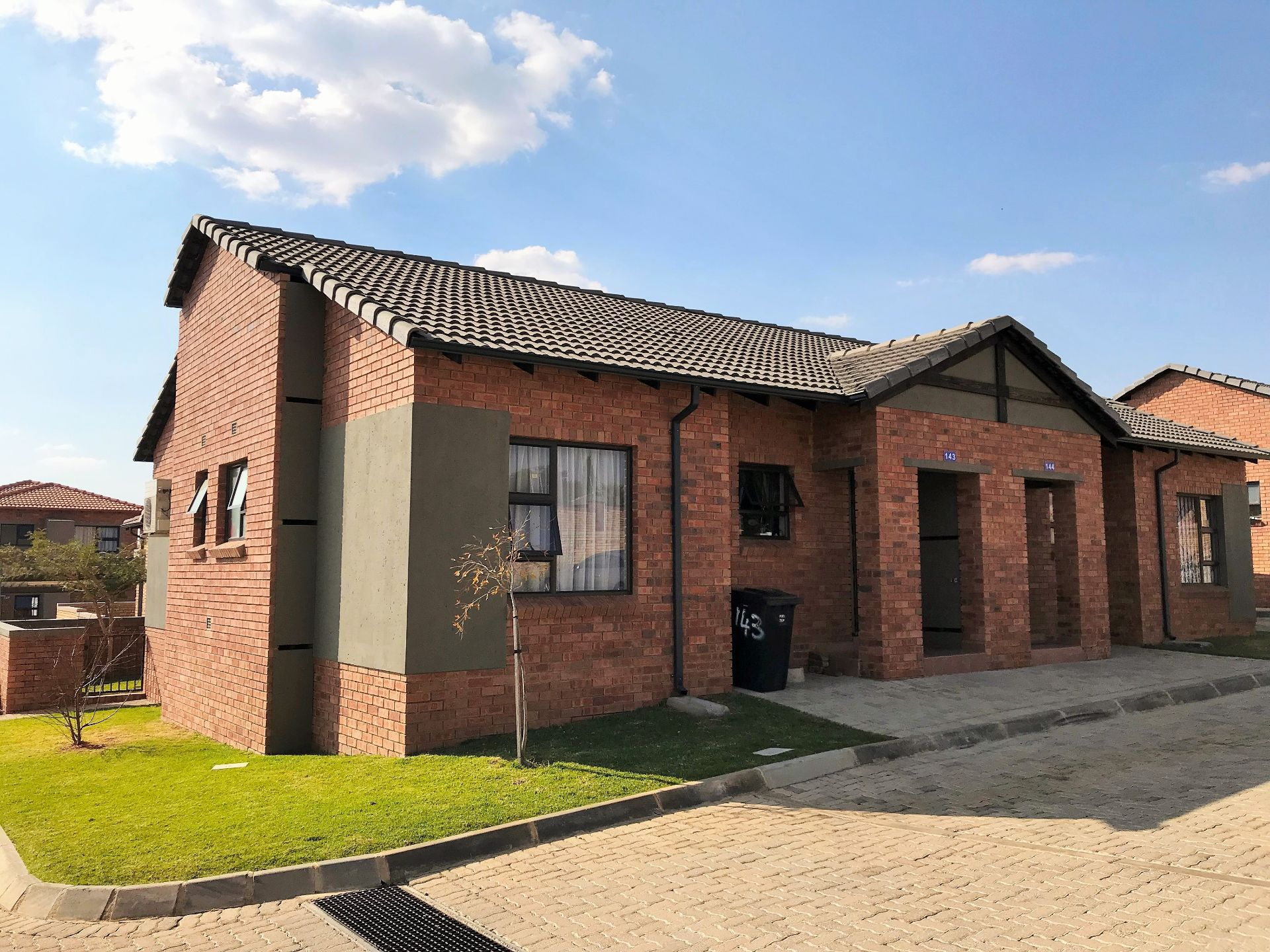 Roodepoort, Wilgeheuwel Property    Houses To Rent Wilgeheuwel, WILGEHEUWEL, Simplex 2 bedrooms property to rent Price:,  8,00*
