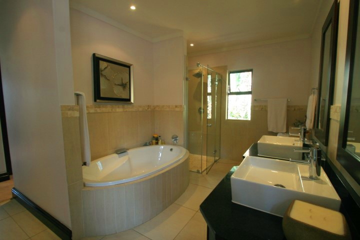 Zimbali Coastal Resort And Estate property for sale. Ref No: 13361547. Picture no 15