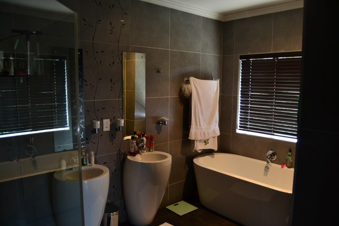 Zimbali Coastal Resort And Estate property for sale. Ref No: 13361587. Picture no 12