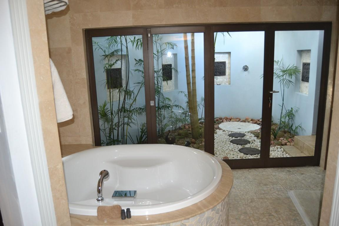 Zimbali Coastal Resort And Estate property for sale. Ref No: 13361652. Picture no 24