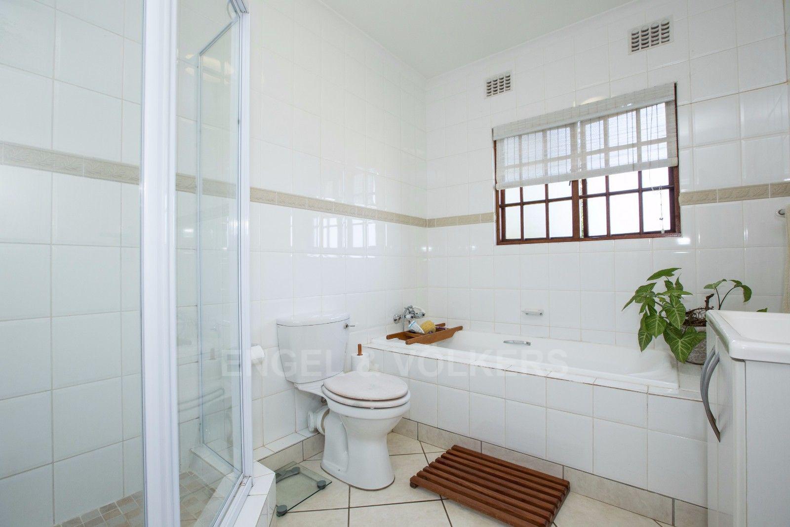 La Lucia property for sale. Ref No: 13371241. Picture no 21