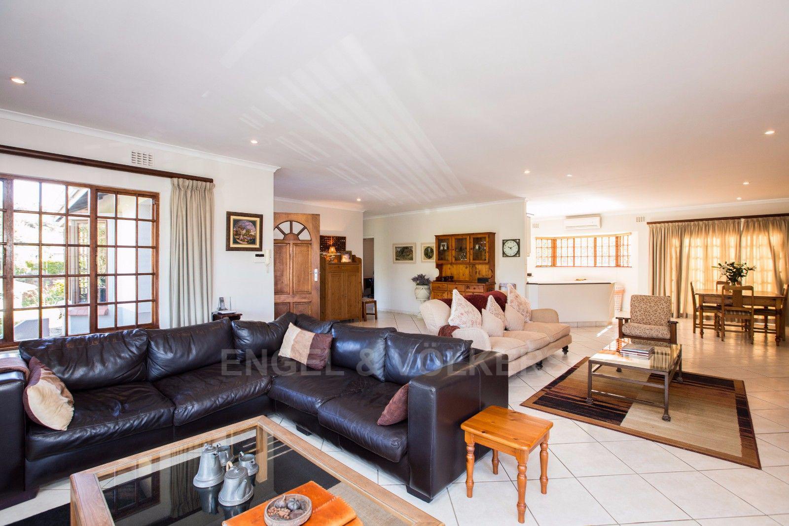 La Lucia property for sale. Ref No: 13371241. Picture no 11