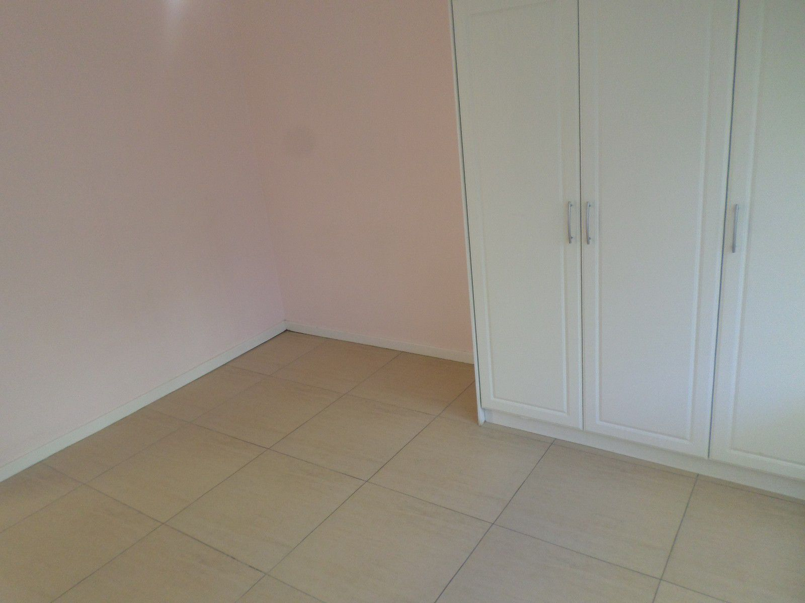New Town Centre property for sale. Ref No: 13400339. Picture no 10