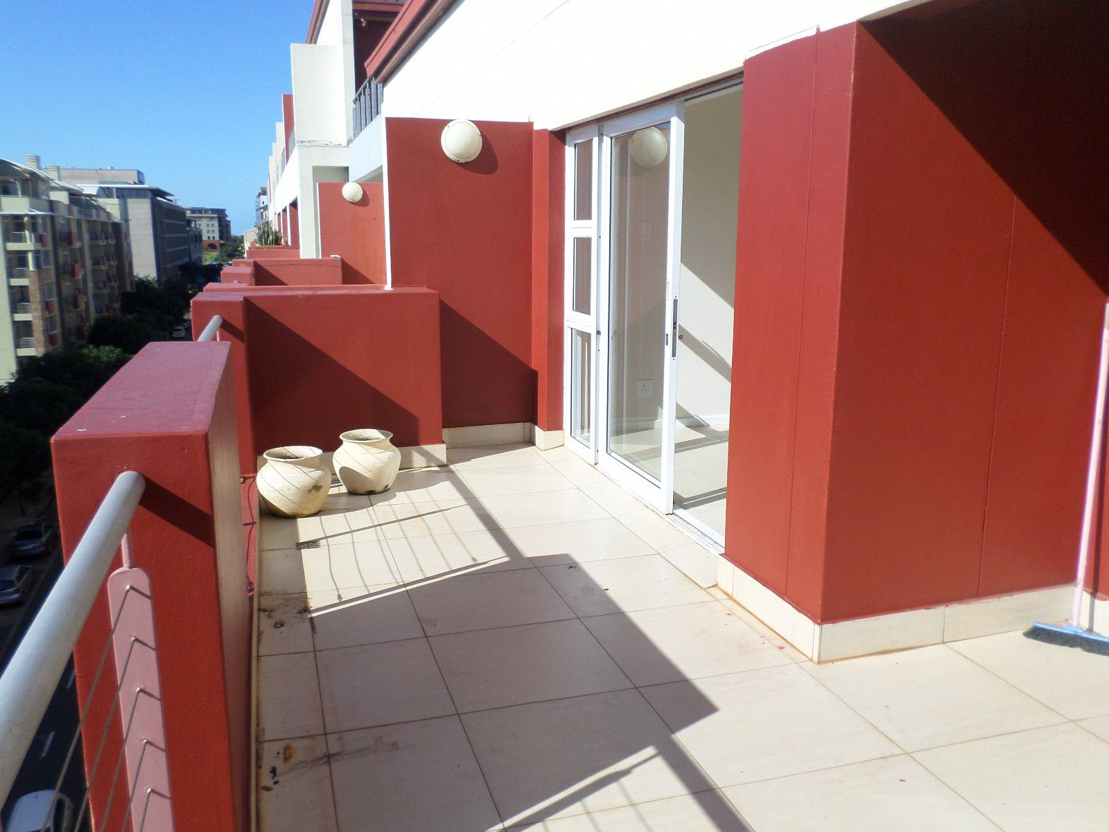 New Town Centre property for sale. Ref No: 13400339. Picture no 7
