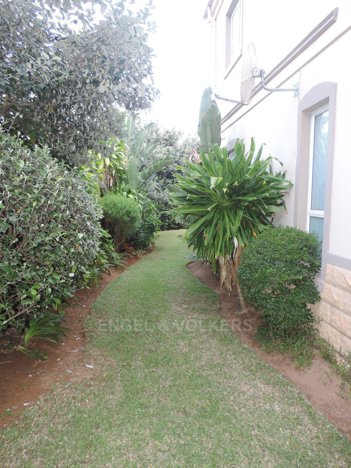 Umhlanga property for sale. Ref No: 13400674. Picture no 31