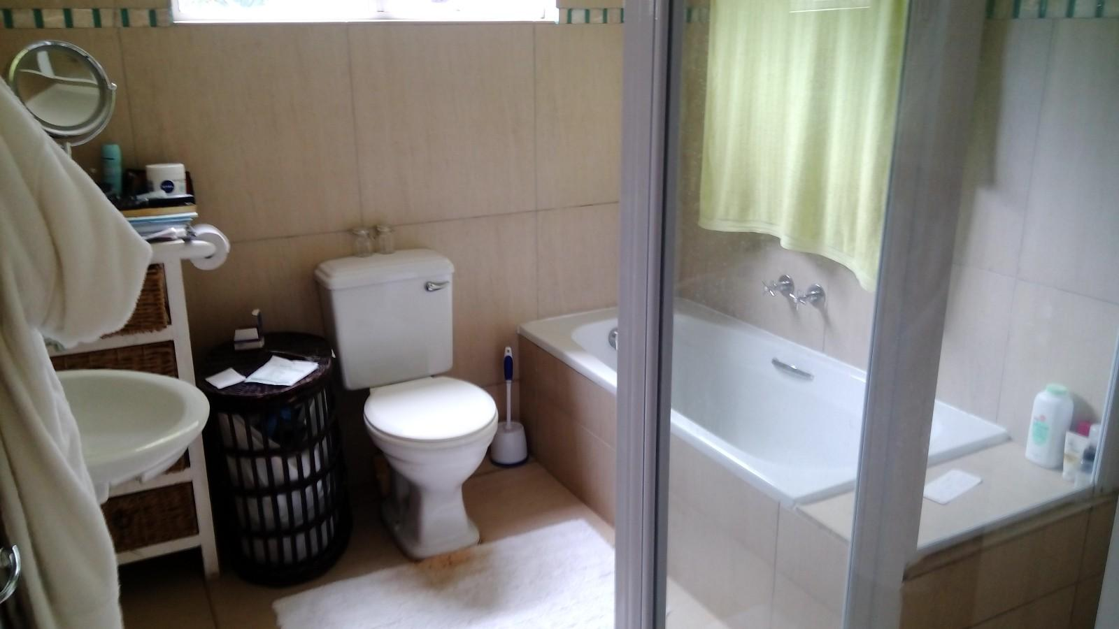 Beacon Bay property to rent. Ref No: 13433657. Picture no 8