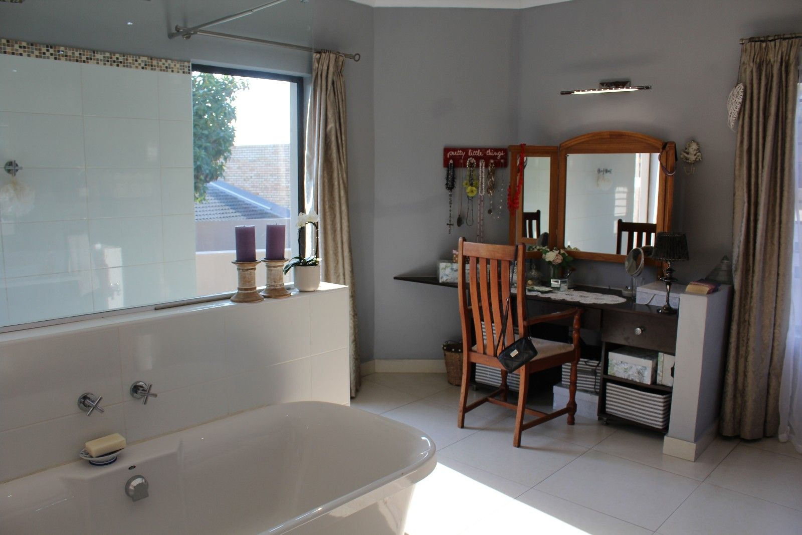 Stirling property for sale. Ref No: 13375447. Picture no 41