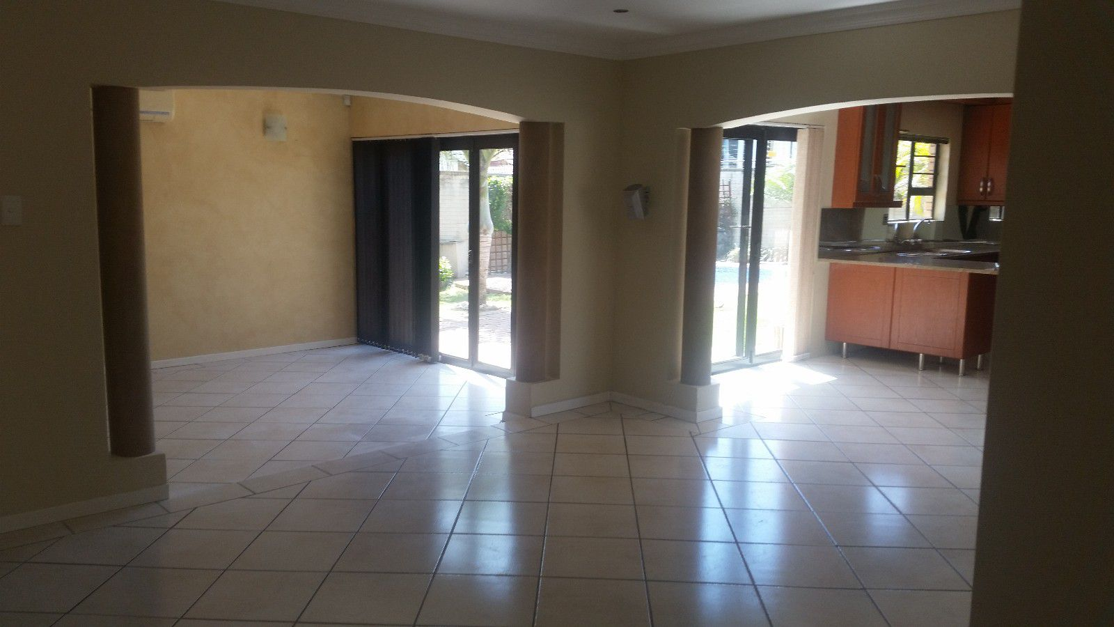 Blue Bend property to rent. Ref No: 13397069. Picture no 4