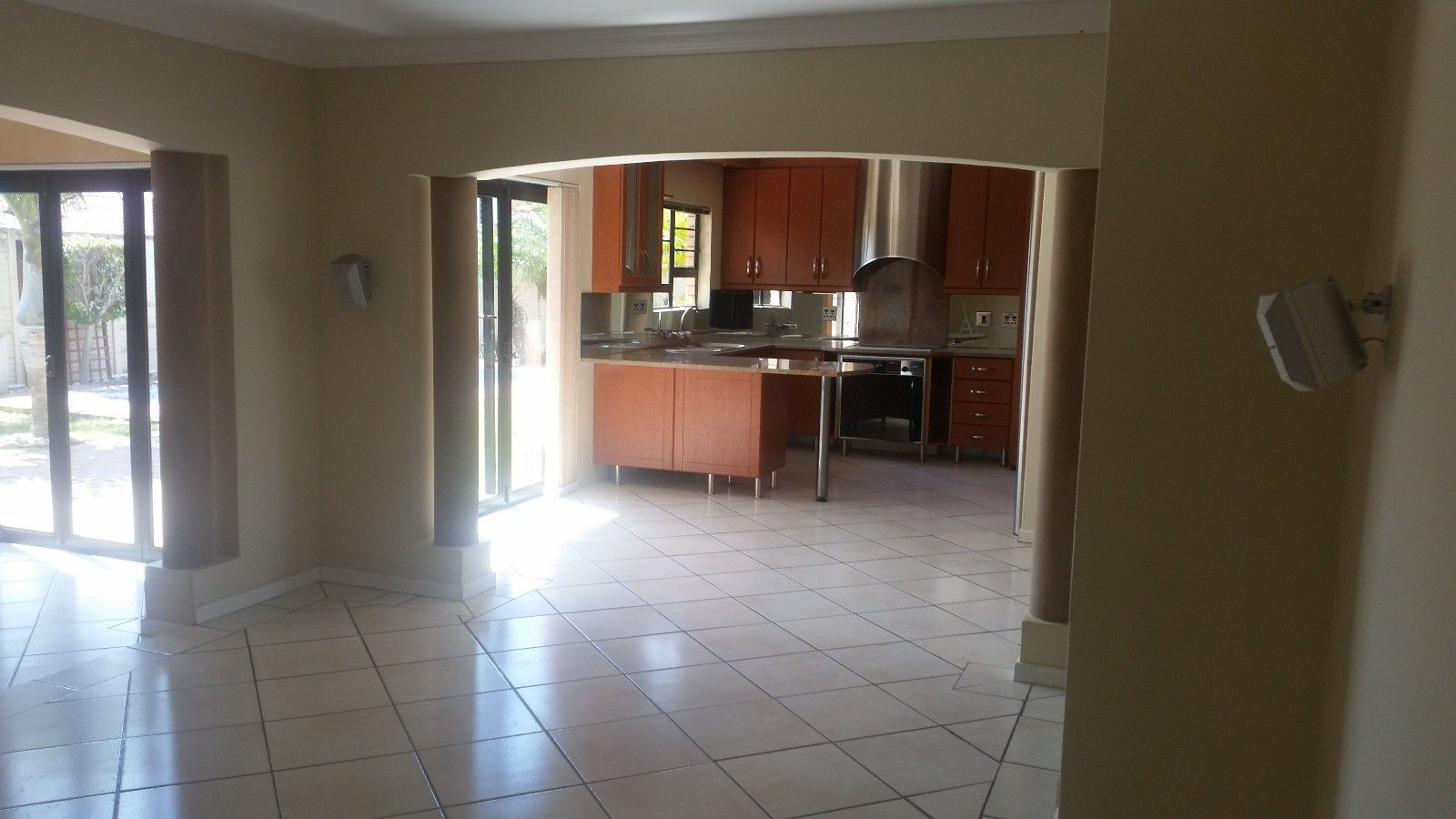 Blue Bend property to rent. Ref No: 13397069. Picture no 5