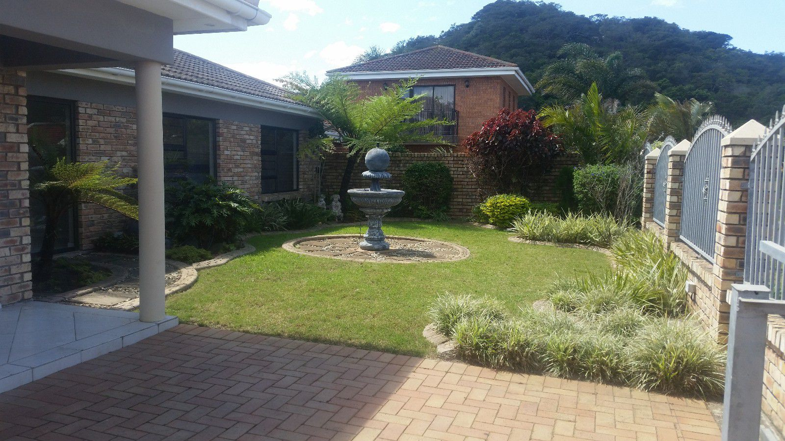 Blue Bend property to rent. Ref No: 13397069. Picture no 2