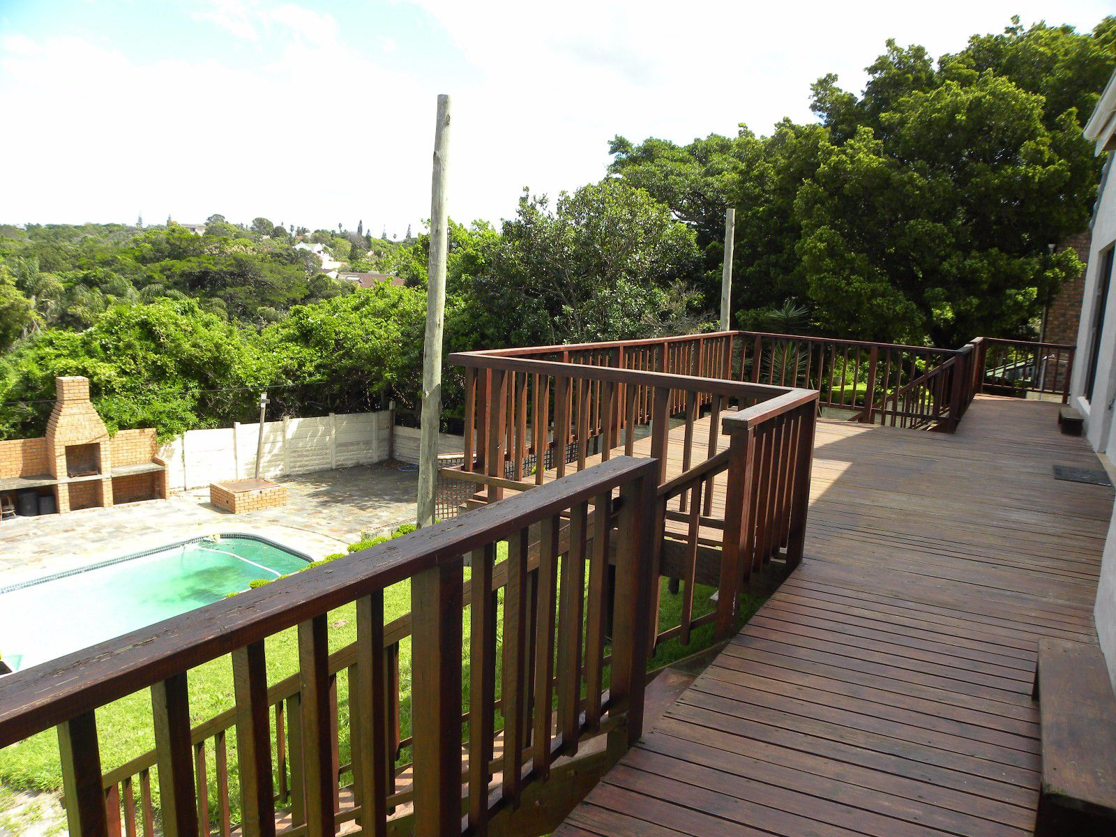 Bonza Bay property for sale. Ref No: 13398570. Picture no 3