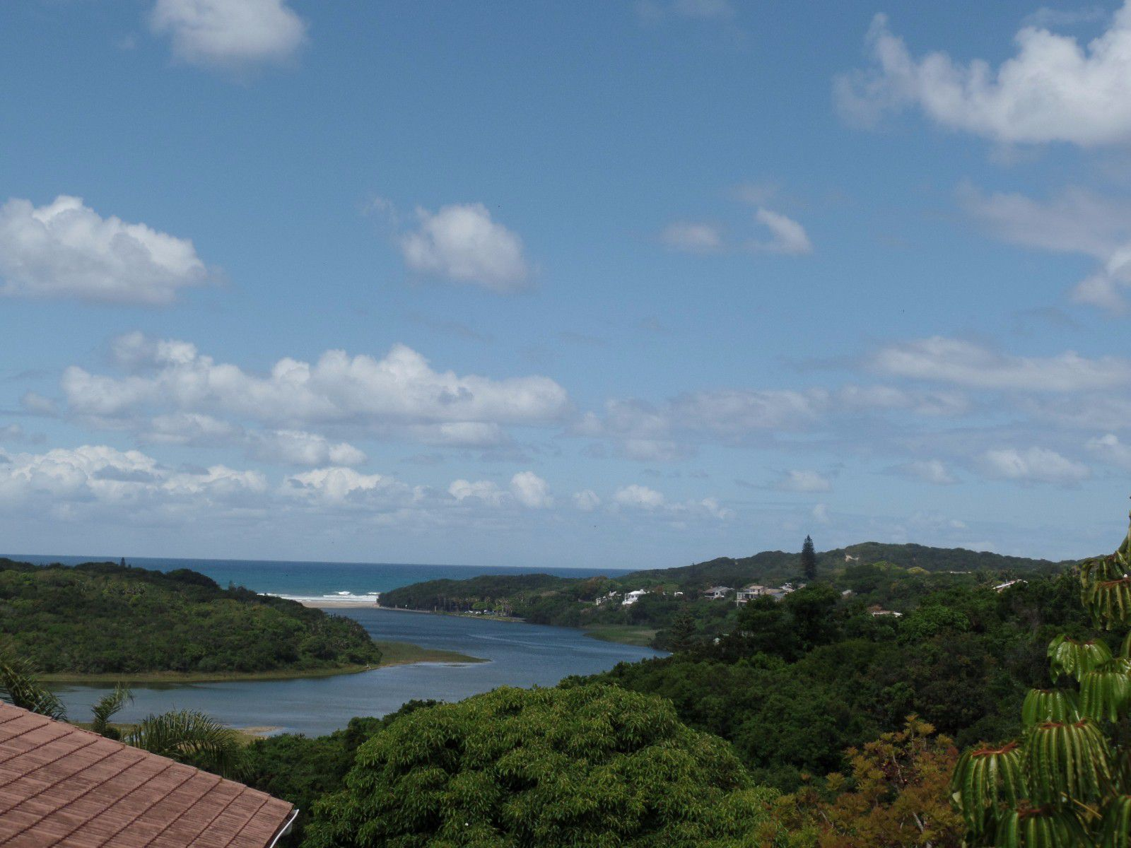 Beacon Bay property for sale. Ref No: 13404083. Picture no 1