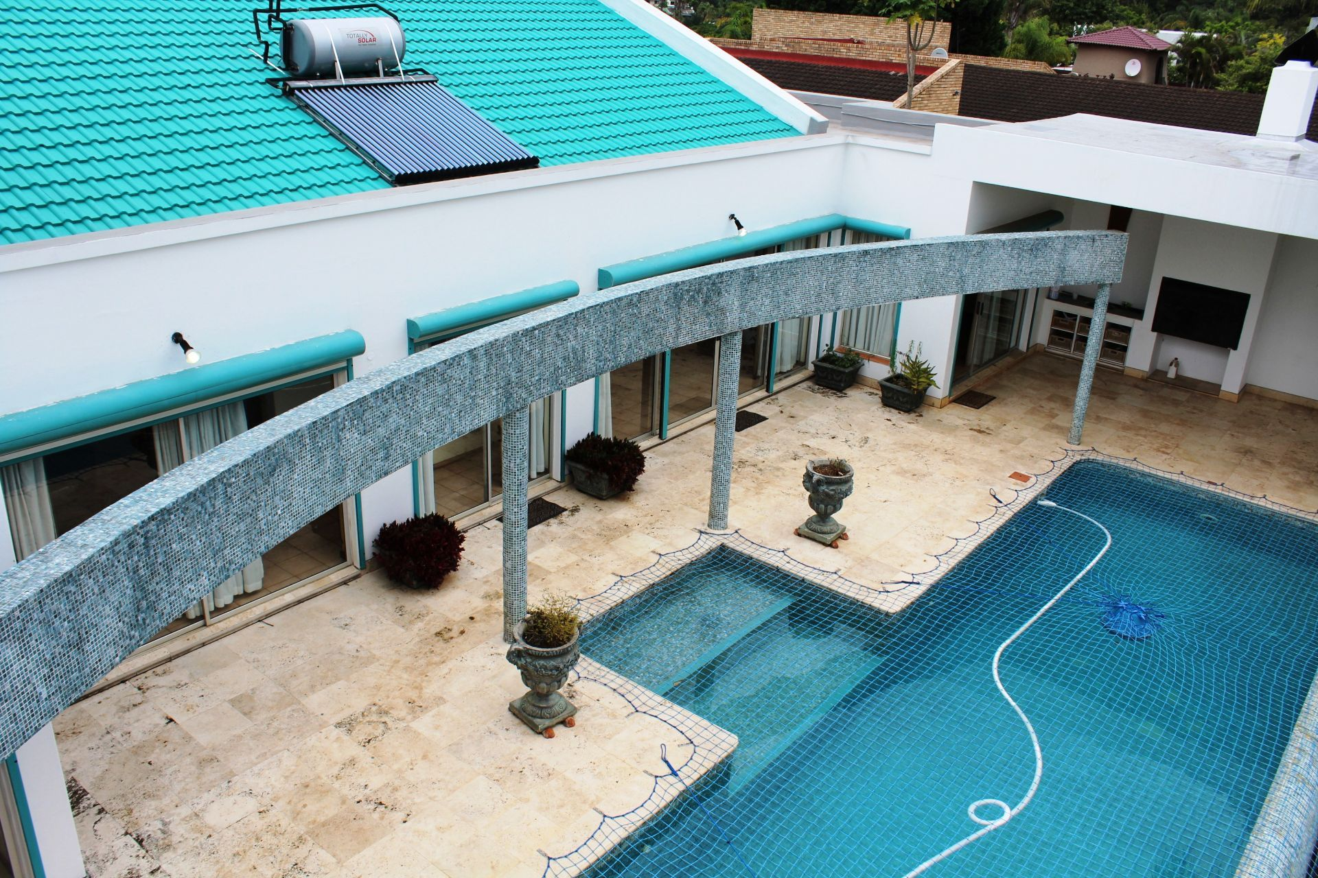 Vincent Heights property for sale. Ref No: 13459972. Picture no 2