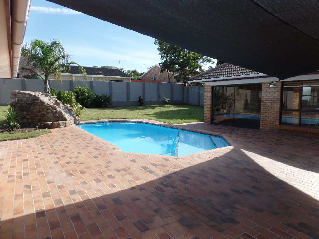 East London, Blue Bend Property  | Houses For Sale Blue Bend, BLUE BEND, House 3 bedrooms property for sale Price:2,350,000