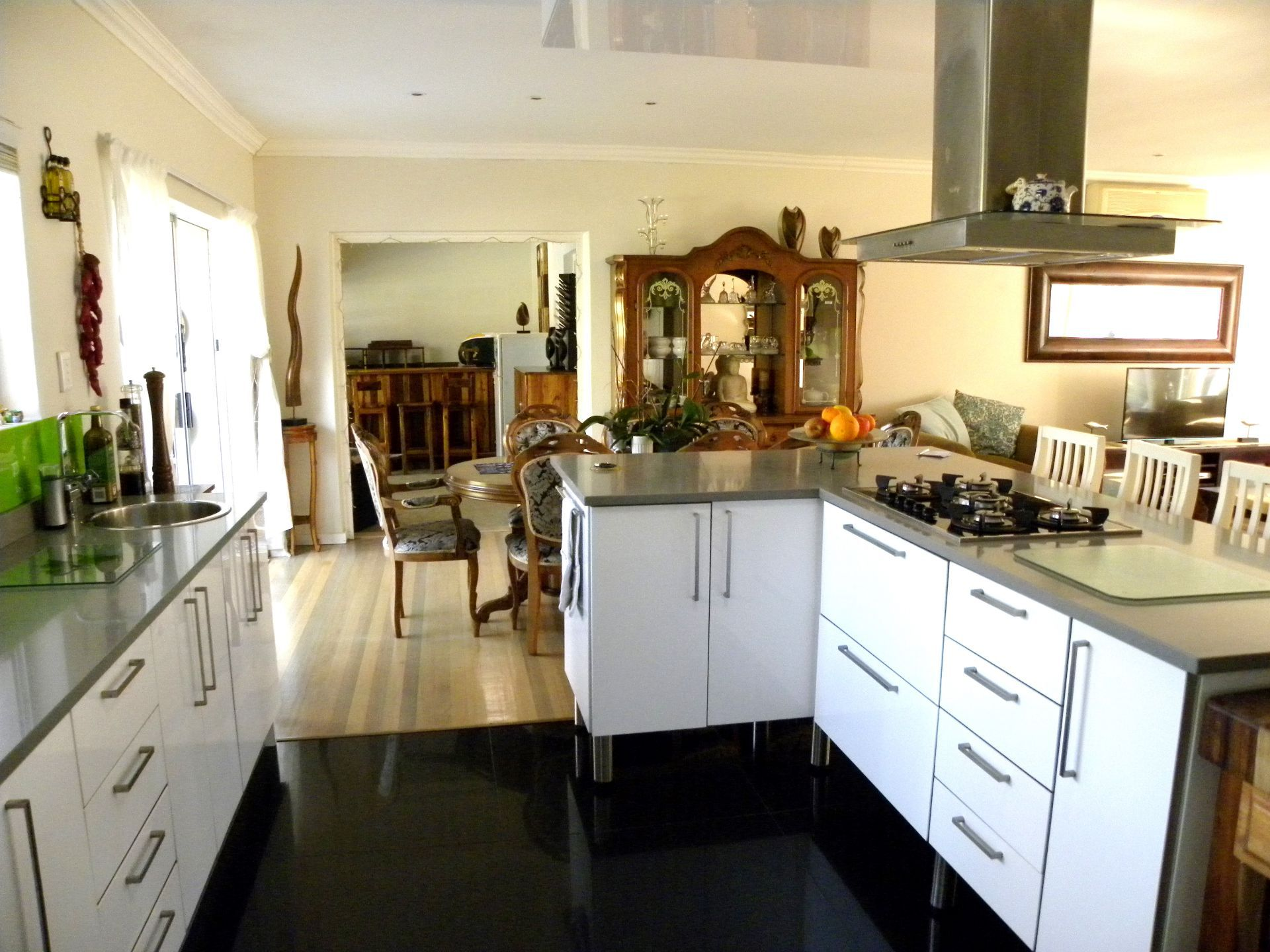 Bonnie Doone property for sale. Ref No: 13501808. Picture no 7