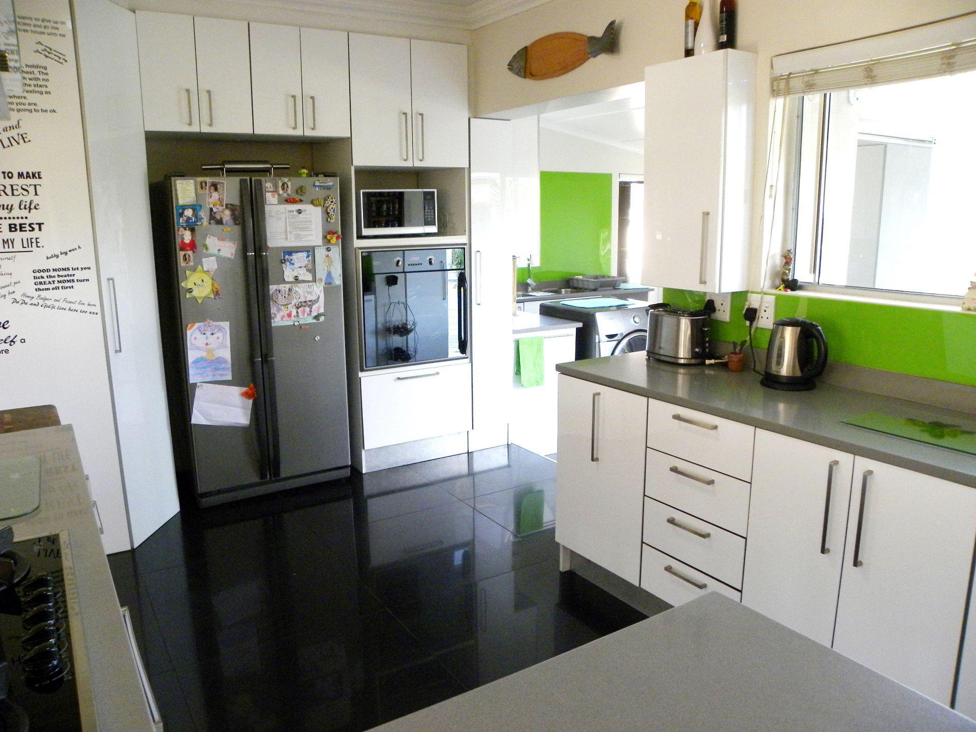 Bonnie Doone property for sale. Ref No: 13501808. Picture no 11