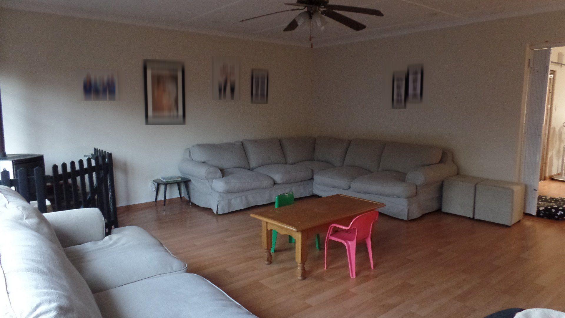 Bonza Bay property for sale. Ref No: 13502817. Picture no 5