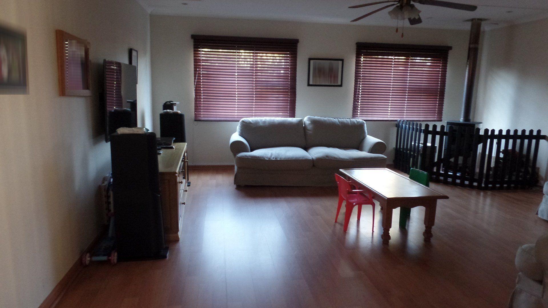 Bonza Bay property for sale. Ref No: 13502817. Picture no 6