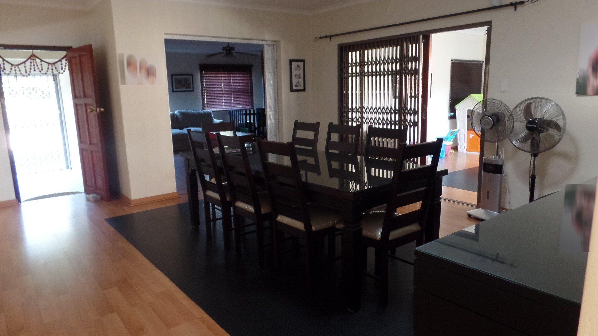 Bonza Bay property for sale. Ref No: 13502817. Picture no 7