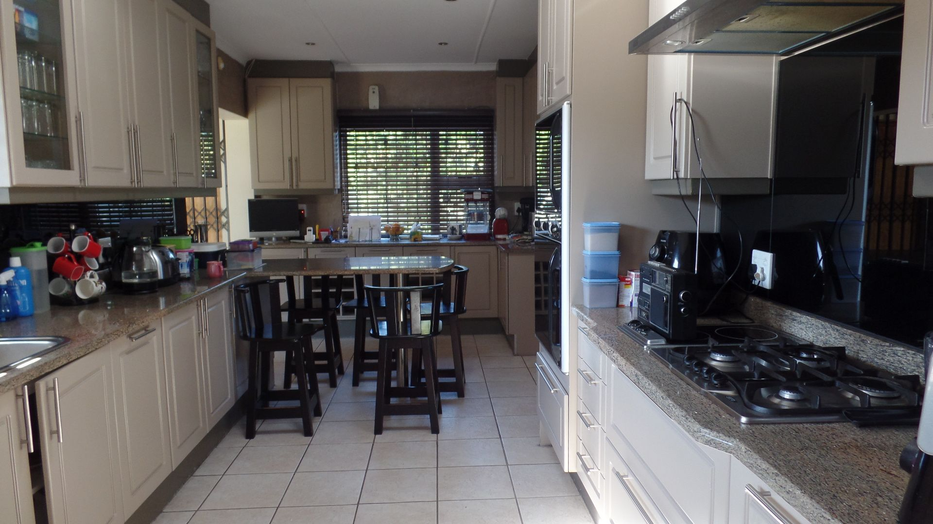Bonza Bay property for sale. Ref No: 13502817. Picture no 8