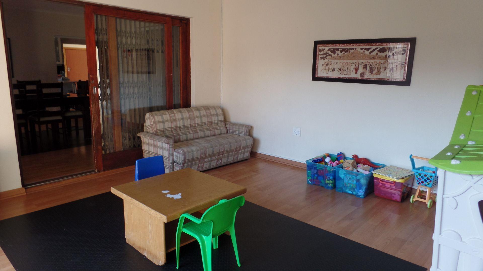 Bonza Bay property for sale. Ref No: 13502817. Picture no 10