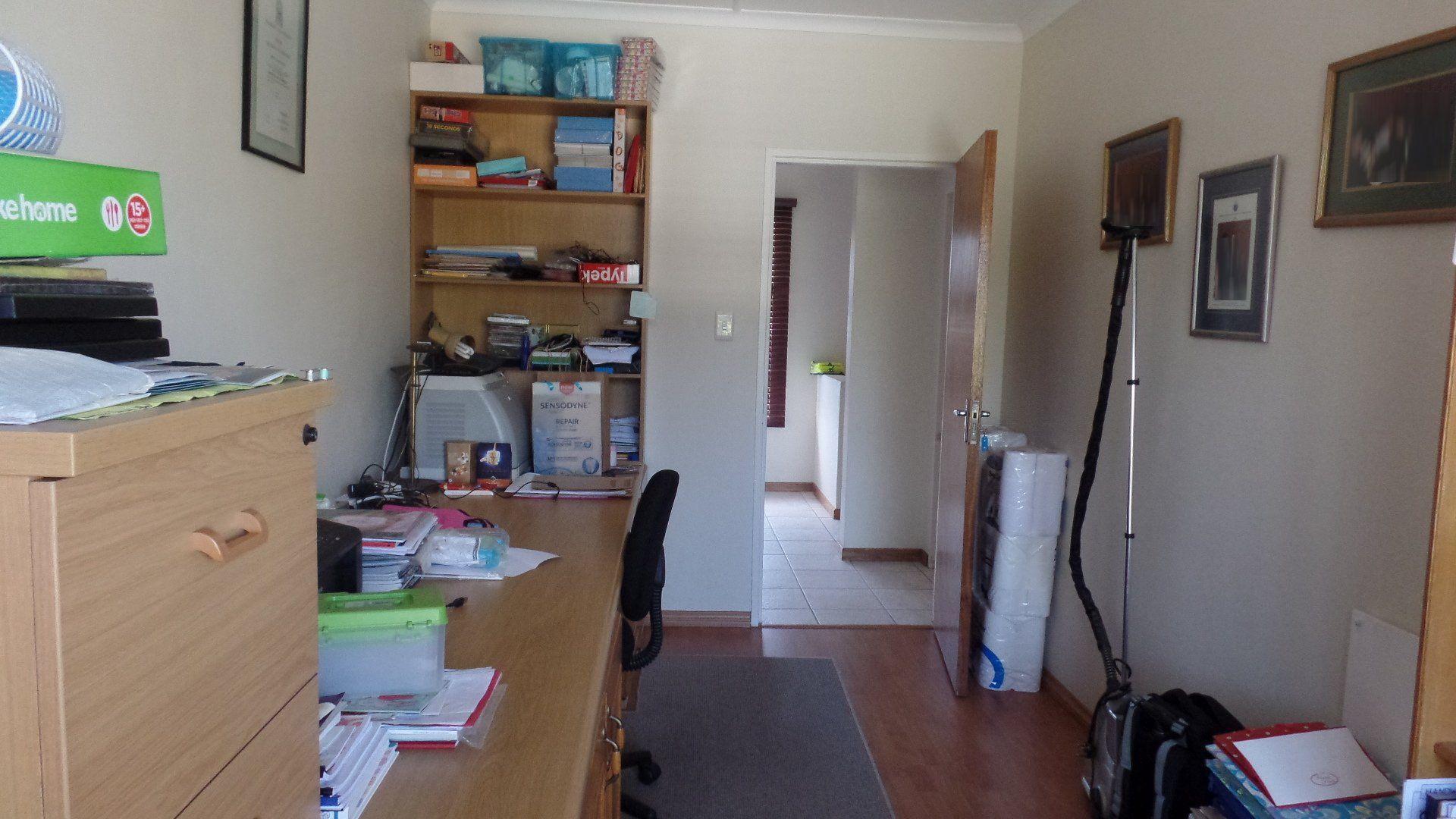 Bonza Bay property for sale. Ref No: 13502817. Picture no 16