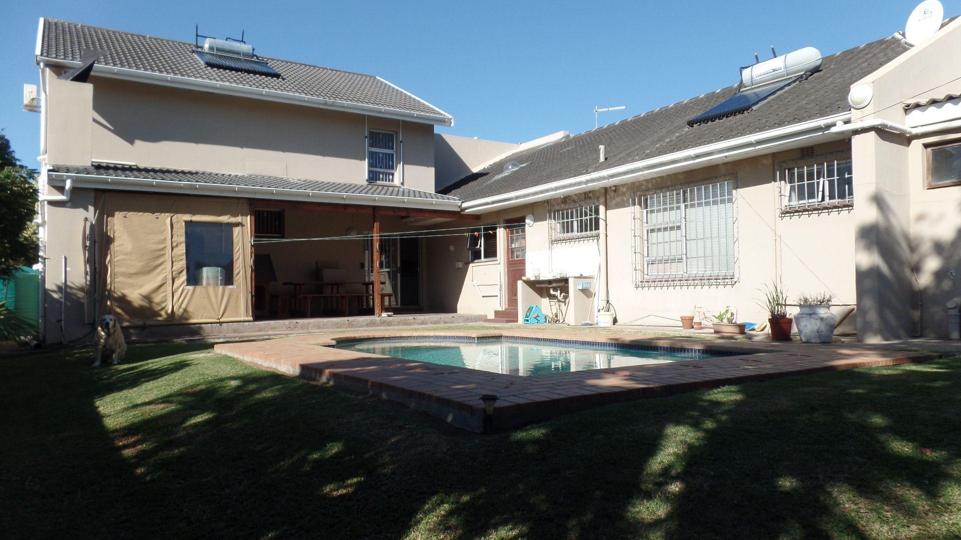 Bonza Bay property for sale. Ref No: 13502817. Picture no 22
