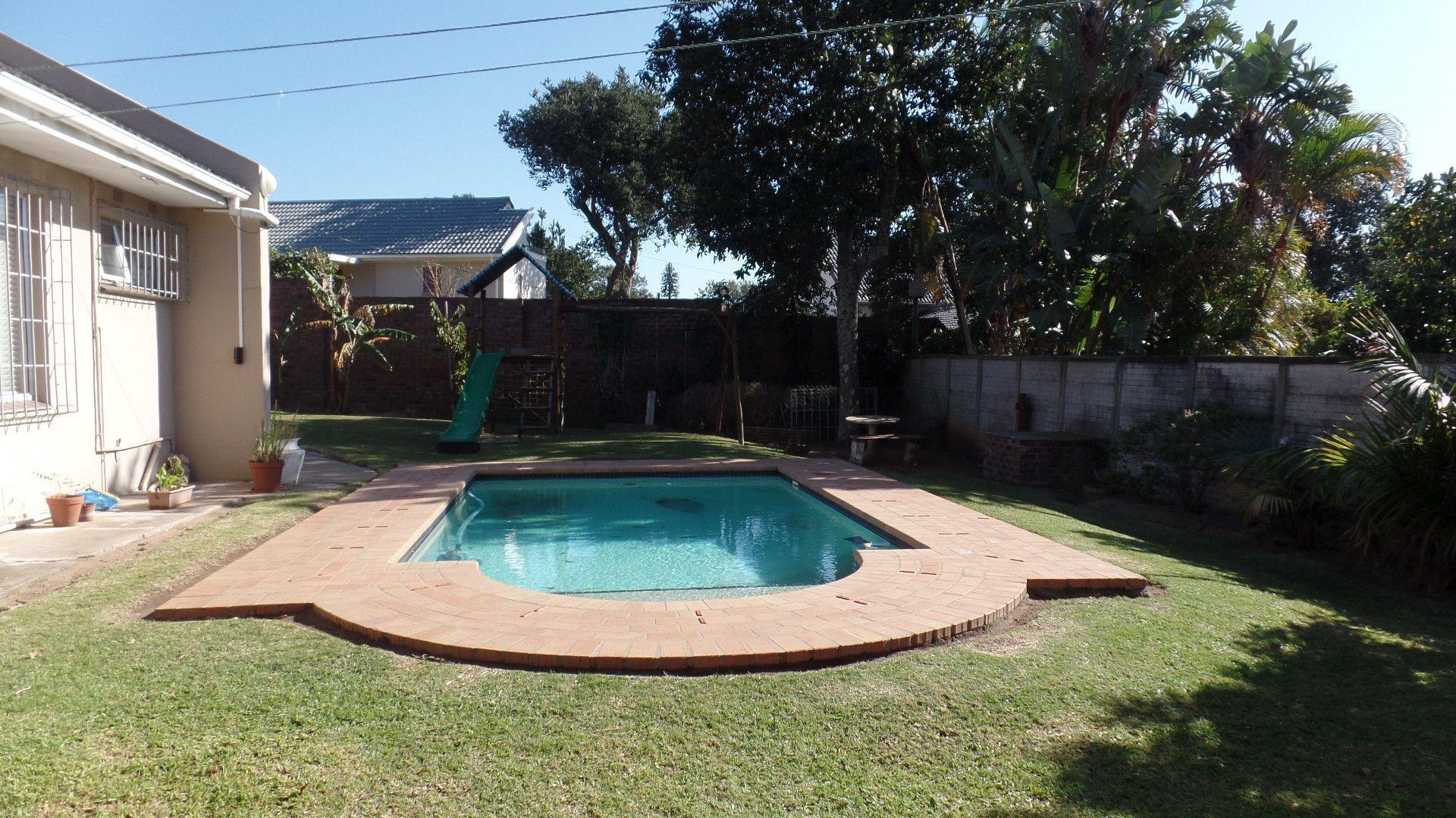Bonza Bay property for sale. Ref No: 13502817. Picture no 2
