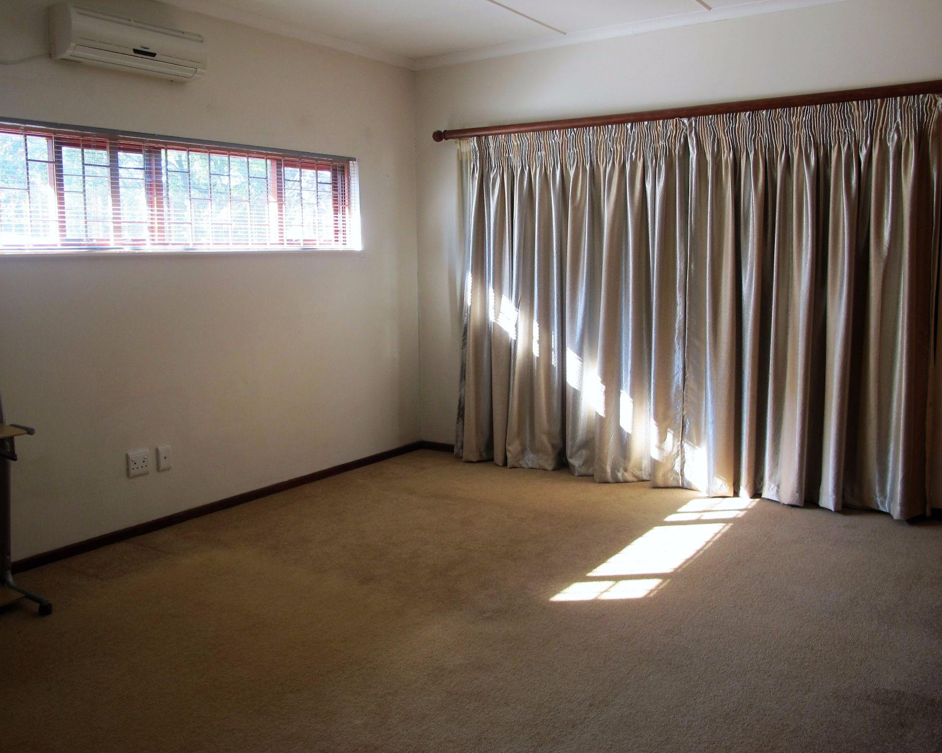 Selborne property for sale. Ref No: 13506256. Picture no 22