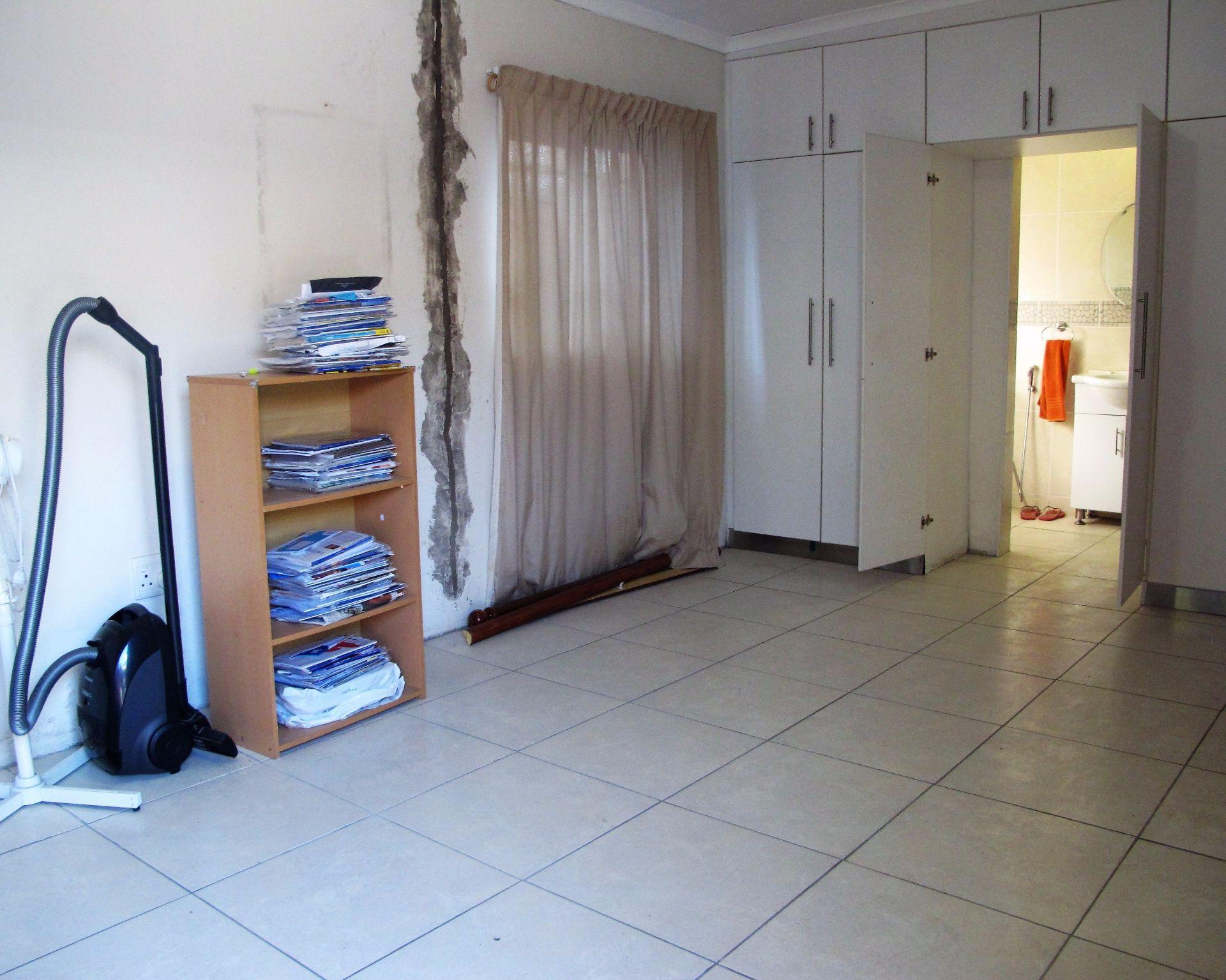 Selborne property for sale. Ref No: 13506256. Picture no 30