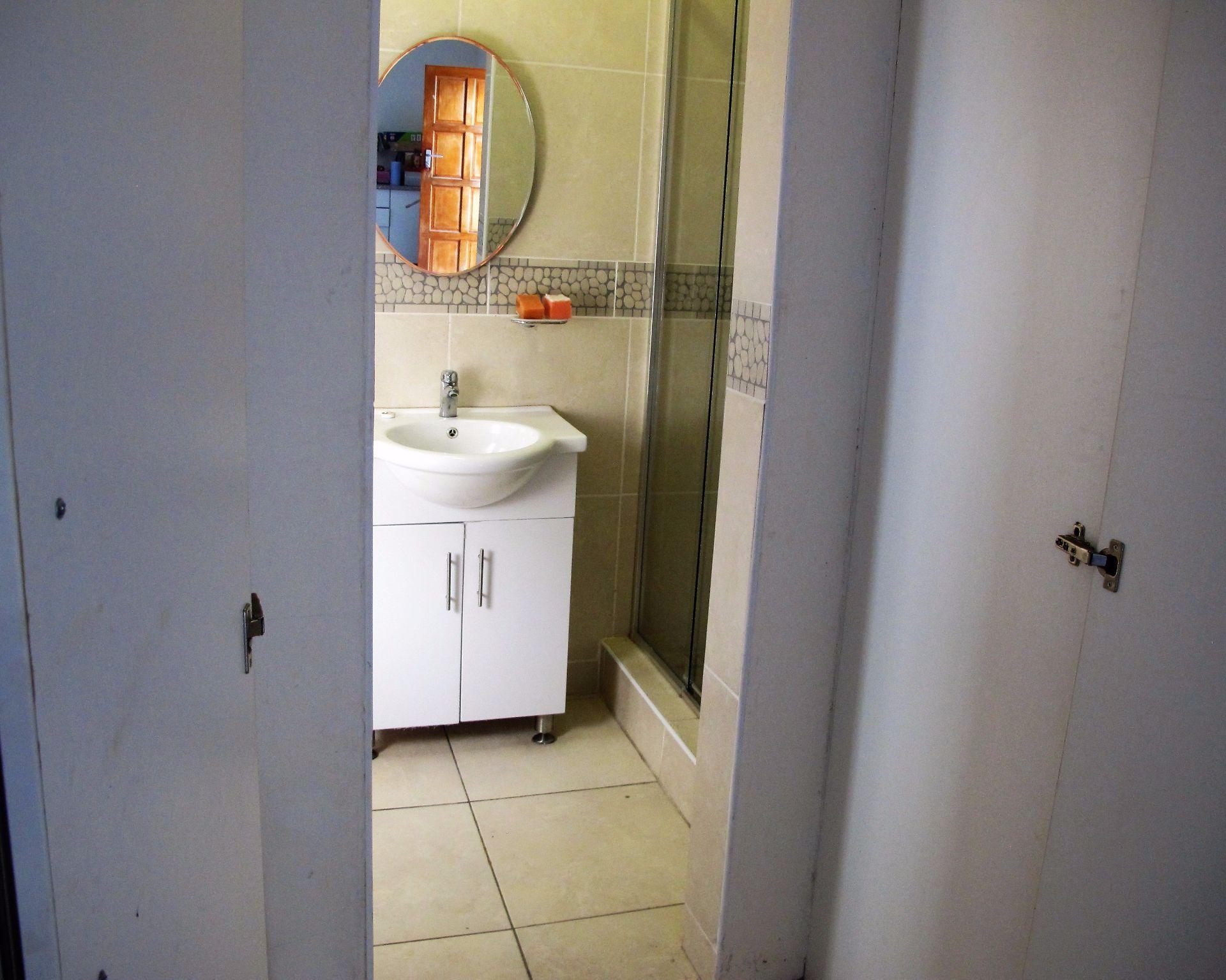 Selborne property for sale. Ref No: 13506256. Picture no 34
