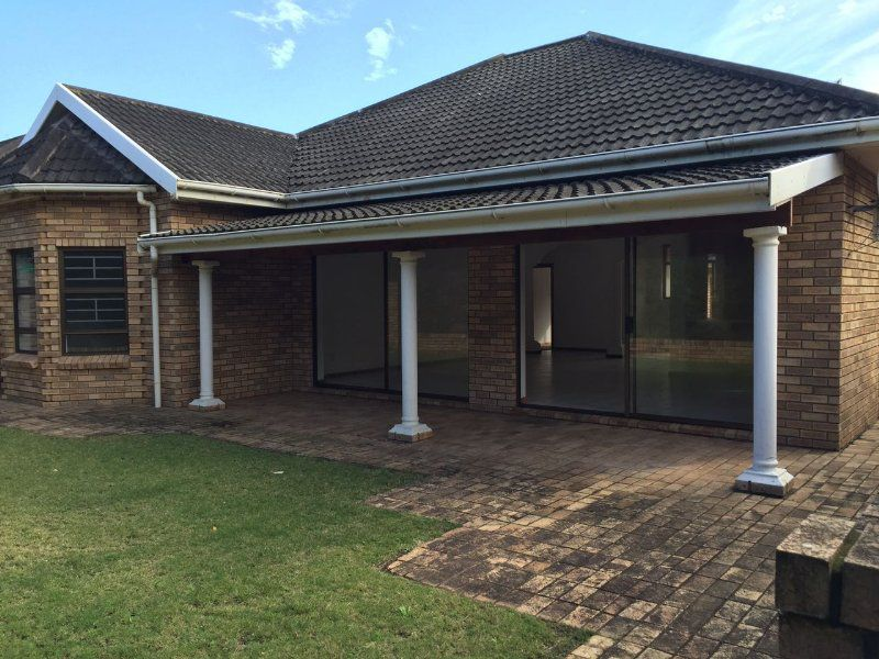 East London, Blue Bend Property    Houses To Rent Blue Bend, BLUE BEND, Duplex 4 bedrooms property to rent Price:,  9,00*