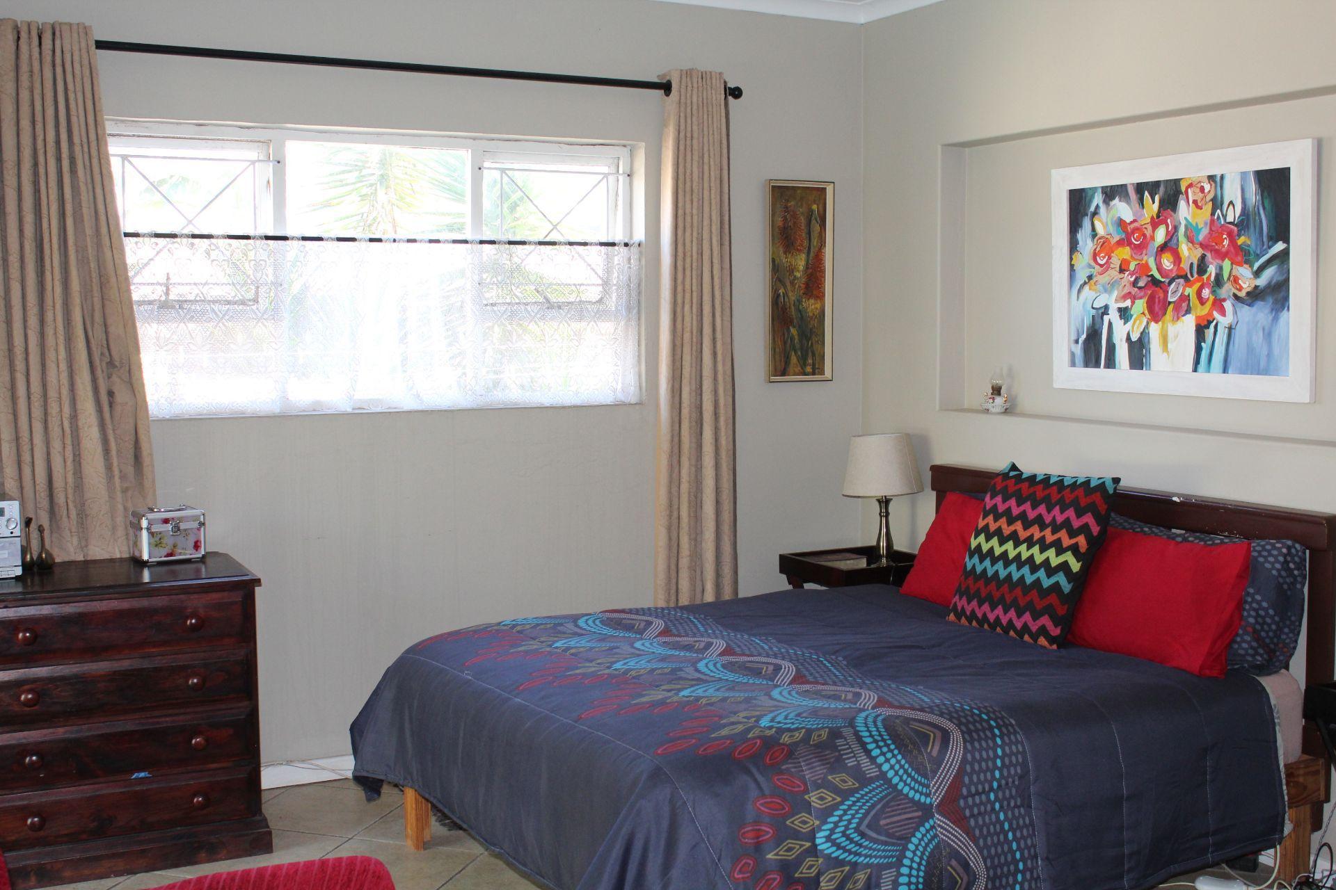 Vincent property for sale. Ref No: 13518070. Picture no 16